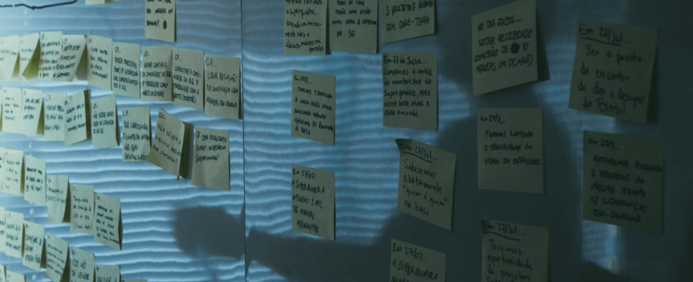 Many small notes taped to a wall with tips for improving your memory