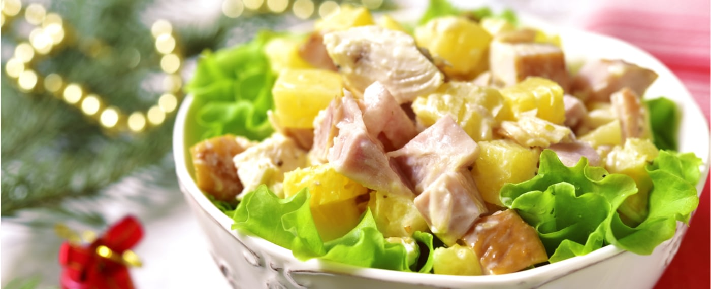 A bowl of Paleo chicken salad