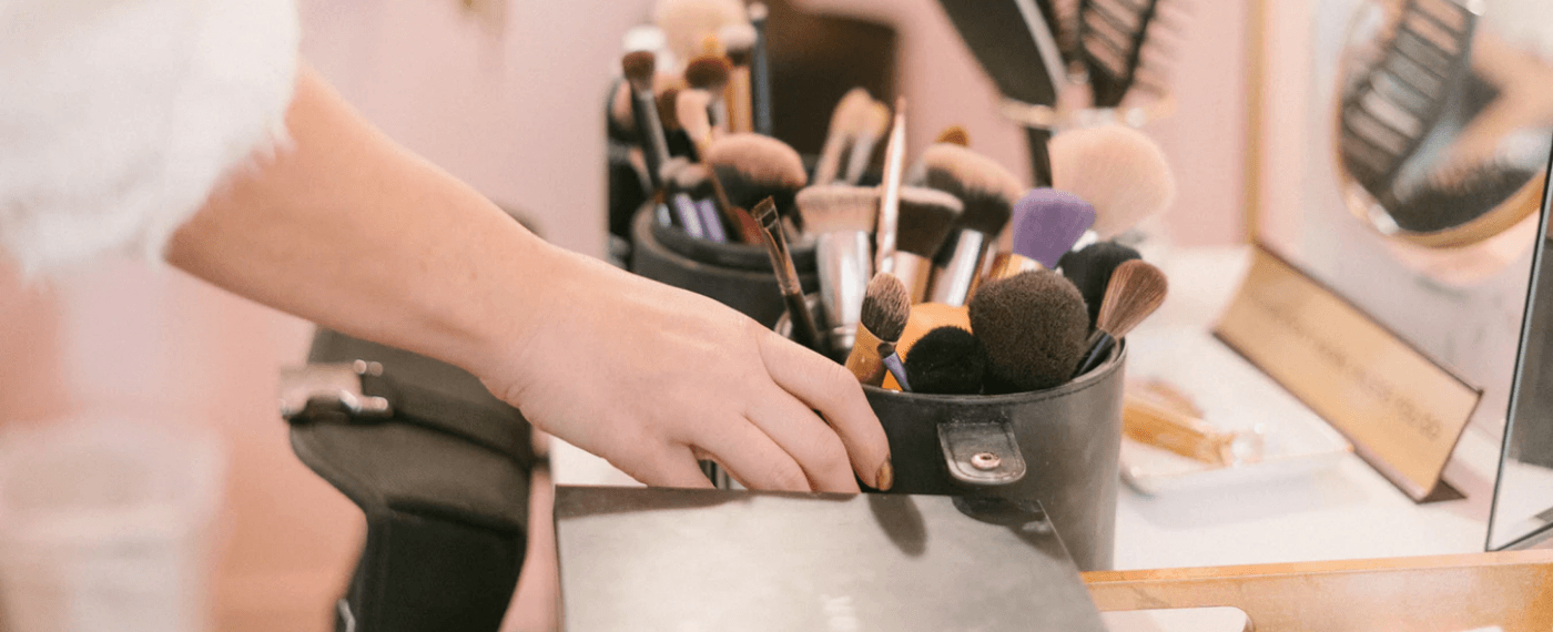 A collection of makeup brushes for beginners